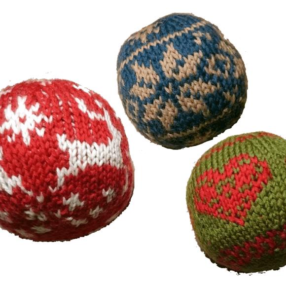 Grundopskrift til strikkede julekugler (eller bolde)